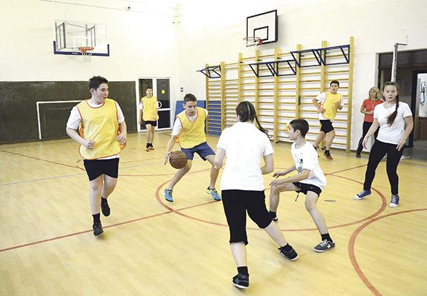 Ze sportem jest jak z ziewaniem, czyli jak zachęcić dzieci do lekcji WF